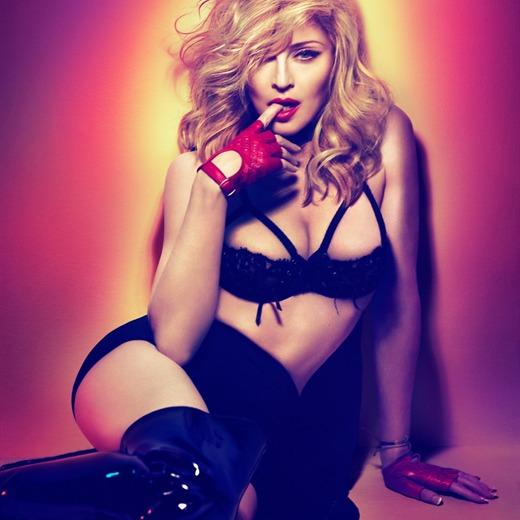 Madonna con doble disco de platino en Colombia