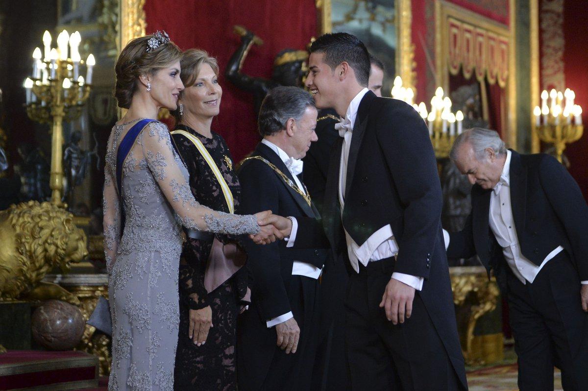 James rodriguez estuvo en la casa de los reyes de espa a - Casa de los reyes de espana ...