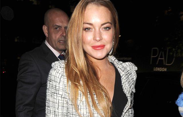 Lindsay Lohan casi pierde un dedo en accidente en un bote