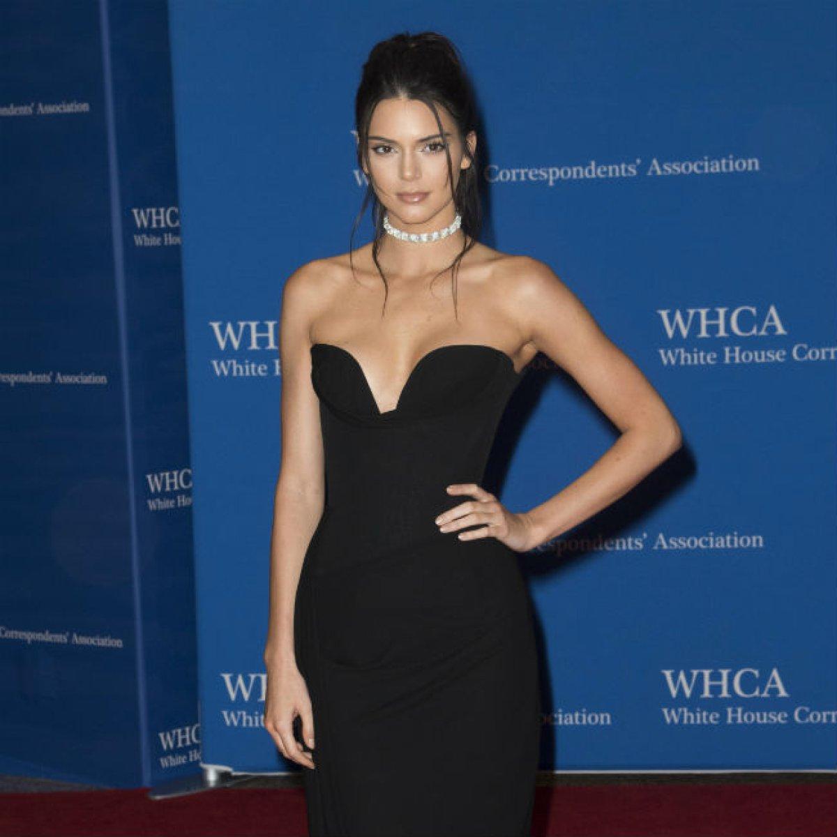 ¿Kendall Jenner pasó por el quirófano?