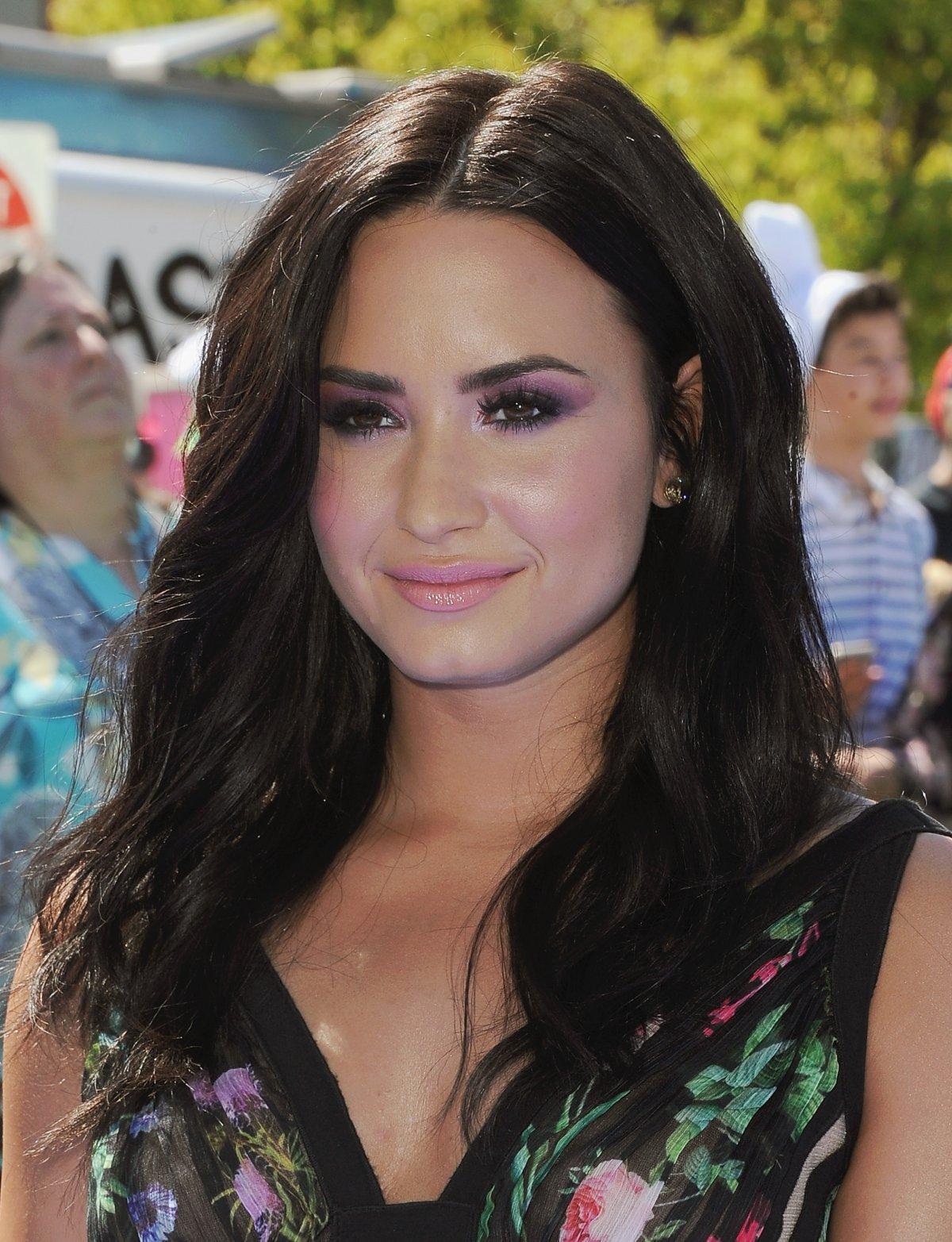 El escote de Demi Lovato que paraliza instagram