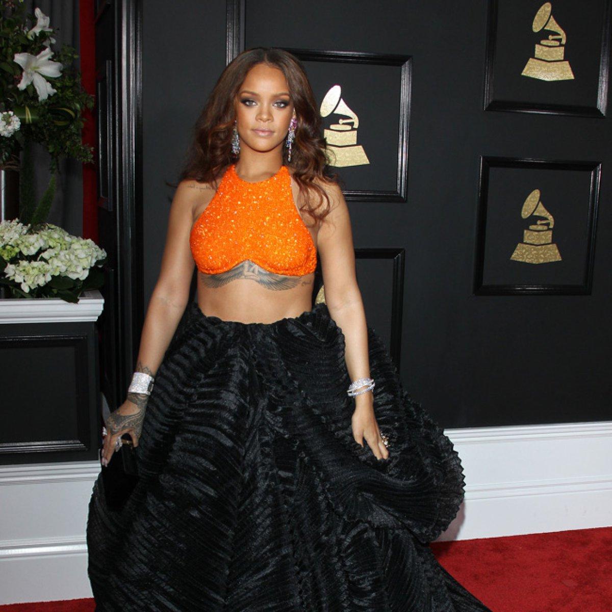 Rihanna cambia radicalmente de profesión y muchos fans aún no lo creen