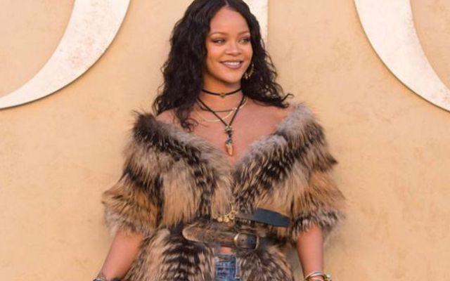 PETA pide a Rihanna que done sus abrigos de piel