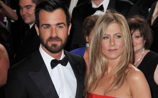 La razón por la que Jennifer Aniston no ayuda a Justin Theroux a ensayar sus diálogos