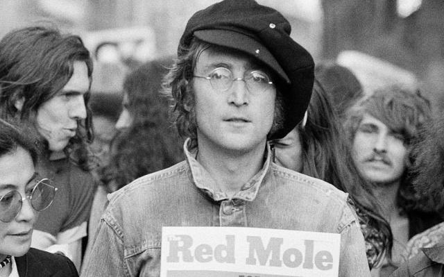 Sale a la venta disco que John Lennon autografió a su asesino