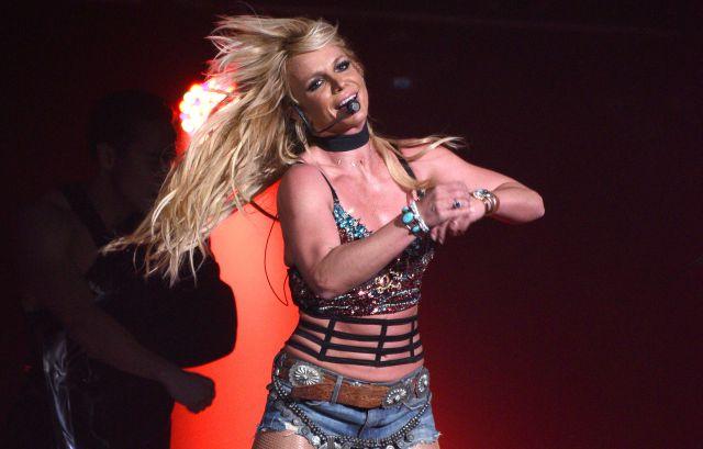 Britney Spears presume a su novio al ritmo de J Balvin y así lo muestra en redes