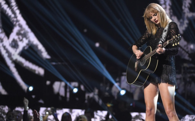 Así reaccionó la madre de Taylor Swift al enterarse que su hija había sufrido acoso sexual