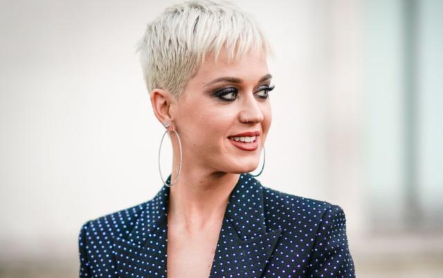 La cantante se siente 'liberada' desde que se deshizo de su larga cabellera, en parte porque su corte pixie exige un menor mantenimiento.