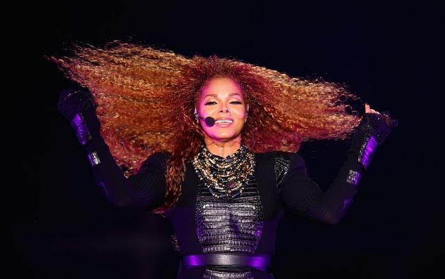 Janet Jackson rompe a llorar en su concierto de Houston