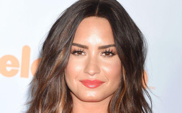 ¿Demi Lovato inició una relación con otra mujer? Esta foto podría probarlo