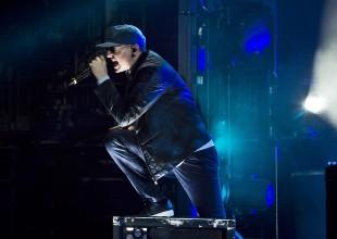 """Linkin Park lanza """"One More Light"""" y así despide a Chester Bennington"""