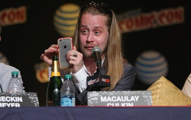 Macaulay Culkin tiene nueva novia