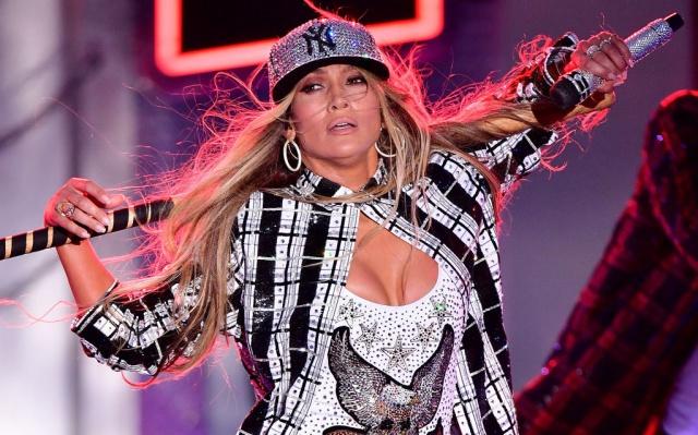 Jennifer López cancela conciertos en Las Vegas
