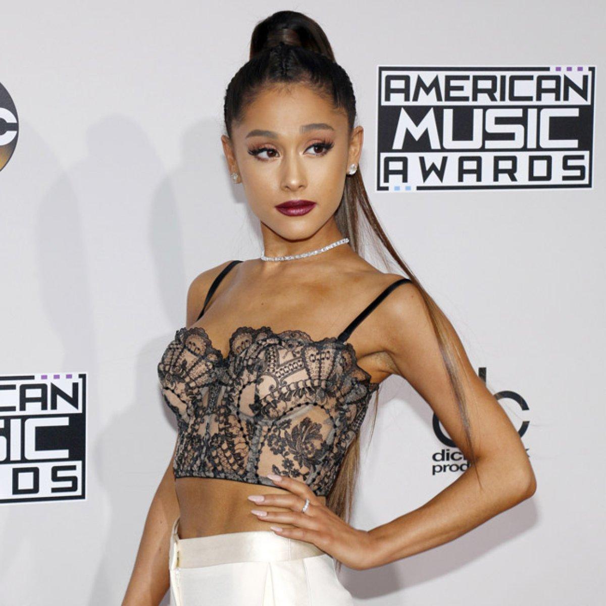 Ariana Grande publica su radical cambio de look en redes y sorprende a sus fans