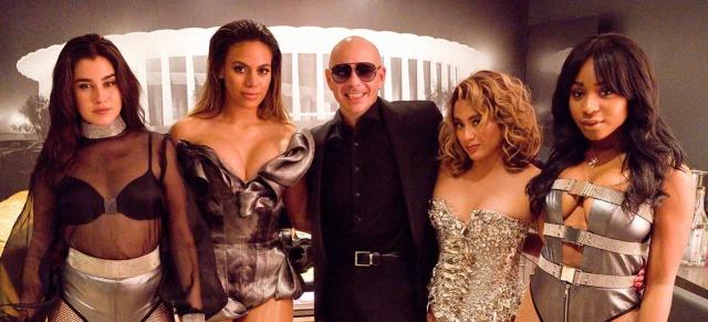 """Pitbull lanza su más reciente video """"Por favor"""" junto a Fifth Harmony"""