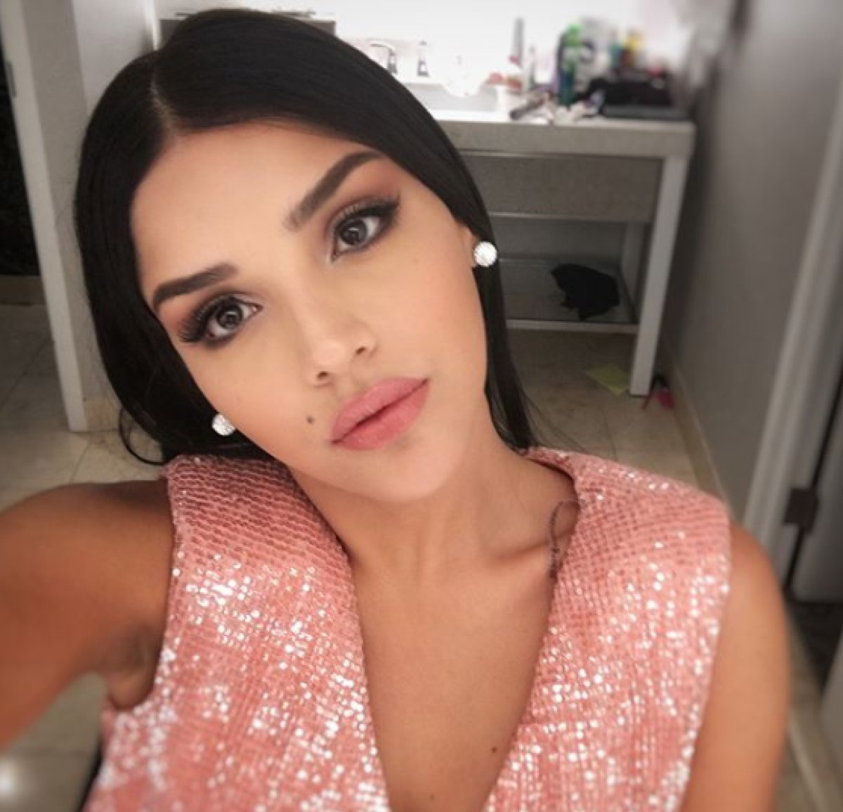 Así luce Laura González, virreina universal, sin una gota de maquillaje