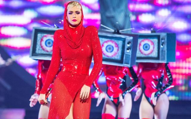 Detienen a un acosador de Katy Perry tras intentar colarse en su camerino