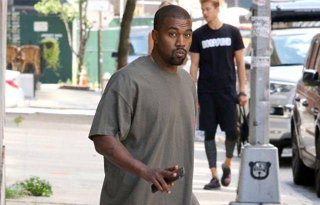 Kanye West da lecciones de paternidad al novio de Kylie Jenner