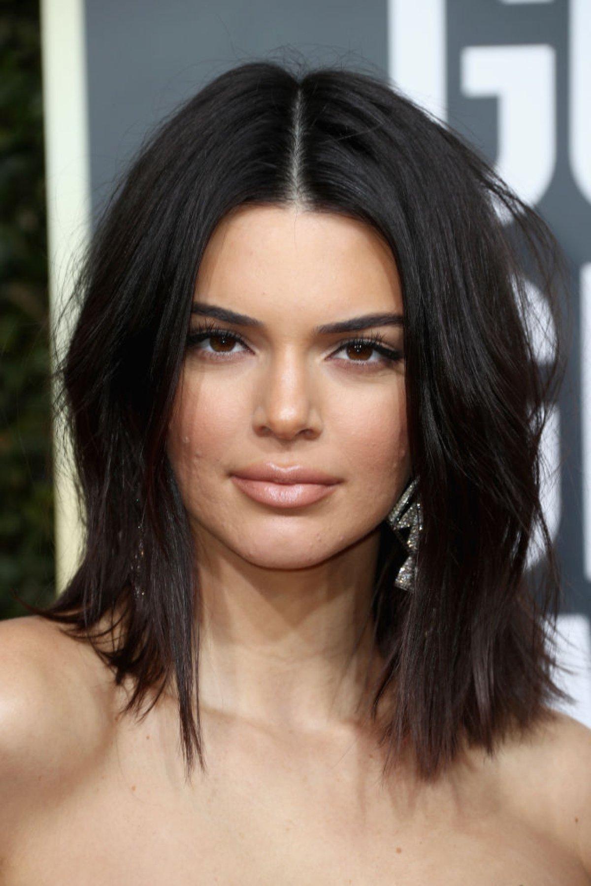Por esta razón Kendall Jenner fue criticada en los Globo de Oro