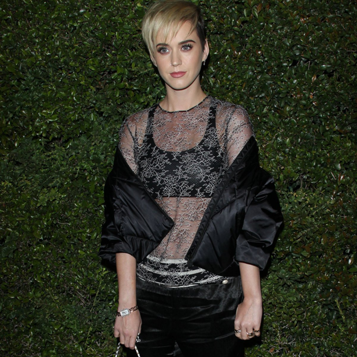Katy Perry vive 'en la cuerda floja' por culpa de su fama