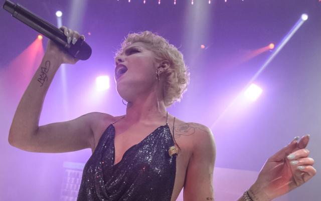 Halsey estrenó el video oficial de su canción