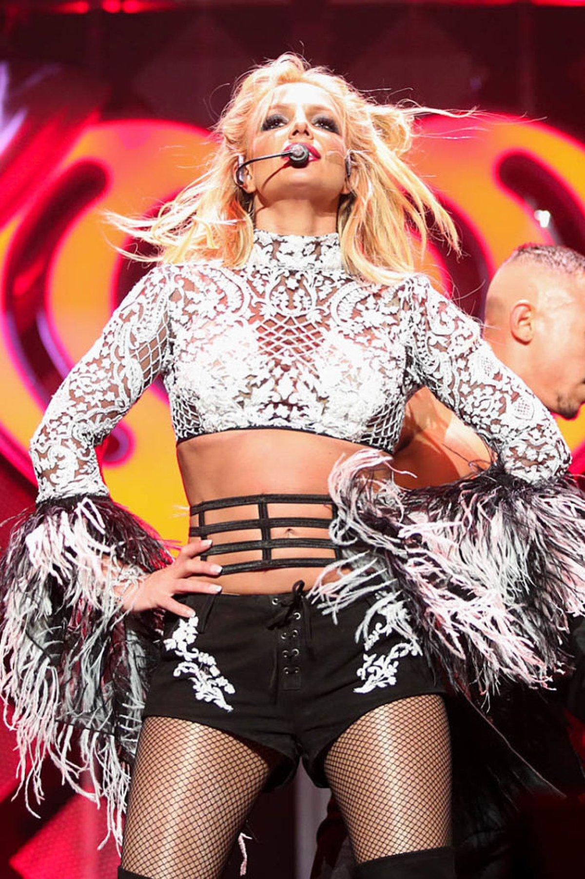 Britney Spears celebra su primer año de amor con Sam Asghari