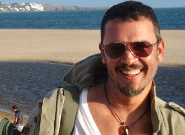 Hermano se prepara para dar el 'sí' a su novio — Carlos Vives