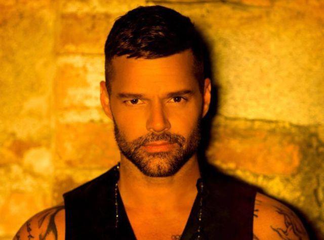 Ricky Martin sube la temperatura con 'Fiebre'