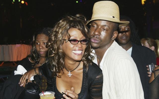 Según ex esposo de Whitney Houston ella murió de esto