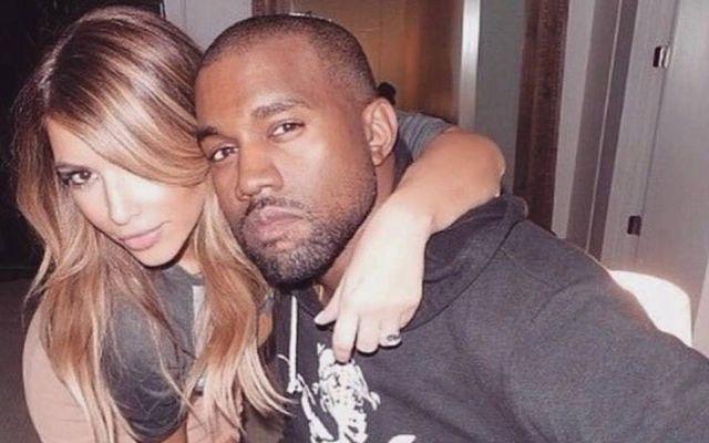 Kim Kardashian muestra la cruda realidad tras un retrato de familia perfecto