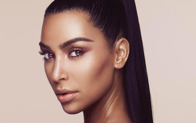 Kim Kardashian tiene una impresionante doble y así reaccionó al conocerla