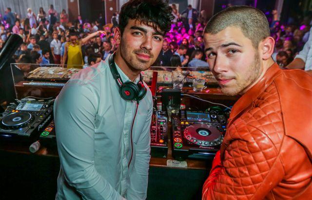 La curiosa relación entre Joe Jonas y la exnovia de su hermano Nick