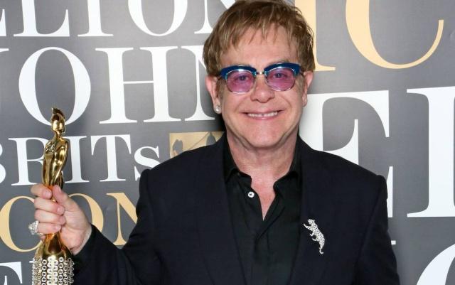 Elton John recibió una triste noticia por parte del principe Enrique y Meghan