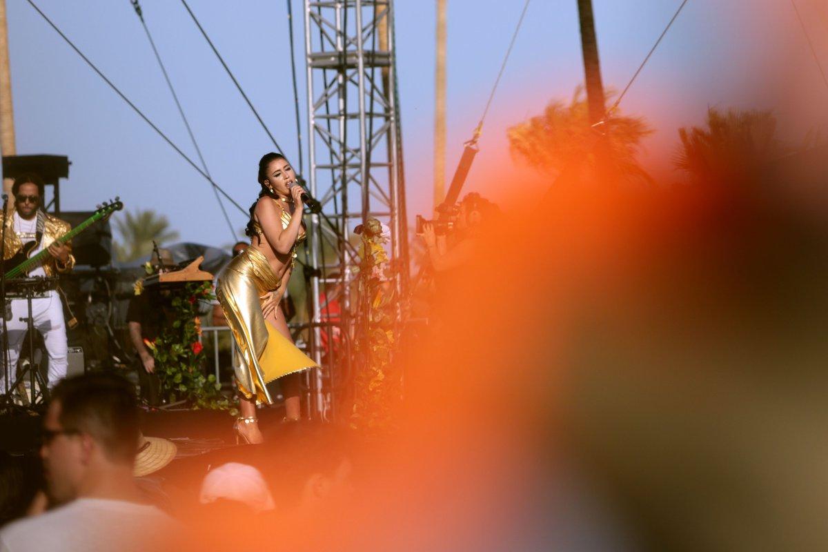 Kali Uchis embrujó con sensualidad y talento a los asistentes de Coachella