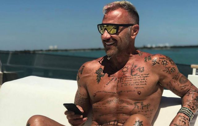 El 'amoroso' tatuaje que Gianluca Vacchi se hizo en honor a Sebastián Yatra