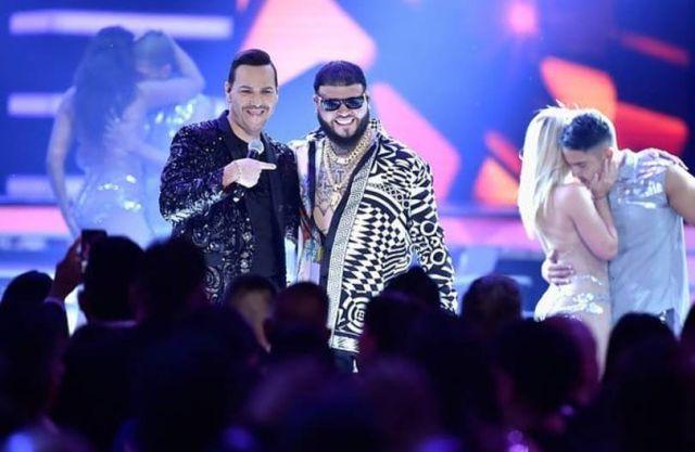 Victor Manuelle se disculpa por ofender a Rihanna en su nueva canción