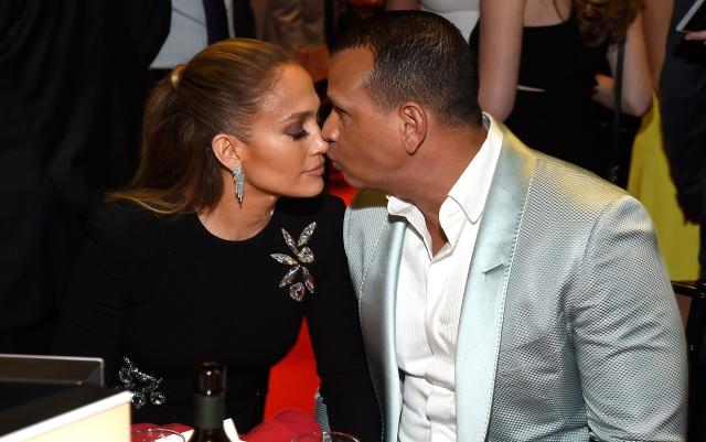 Jennifer Lopez no quiere 'precipitarse' en su relación con Alex Rodriguez