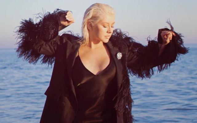 Así cantó Christina Aguilera en el metro de Nueva York