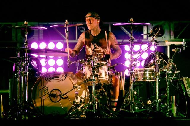 Baterista de Blink 182 se encuentra en grave estado de salud