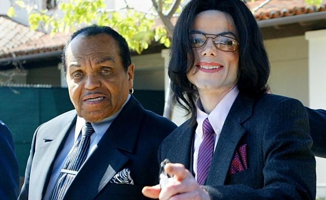 Murió el padre de Michael Jackson