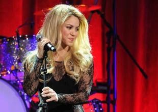 Abuela de Piqué asiste por primera vez en su vida a un concierto a ver a Shakira.