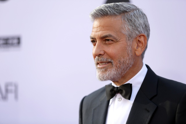 Se da a conocer video del accidente de George Clooney.