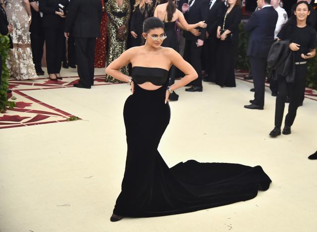 Polémica por portada de Kylie Jenner en Forbes... Conozca las razones.