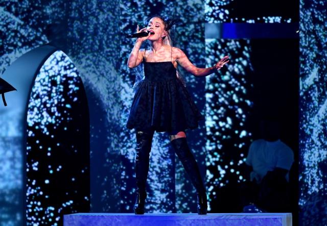Ariana Grande y Troye Sivan presentan adelanto de 'Dance To This.'