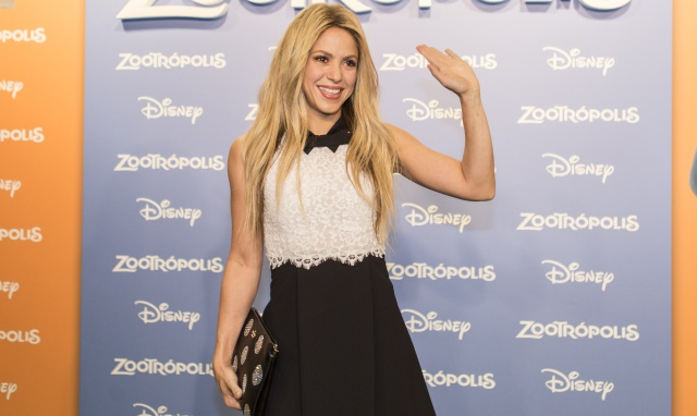 El susto de Shakira en pleno vuelo