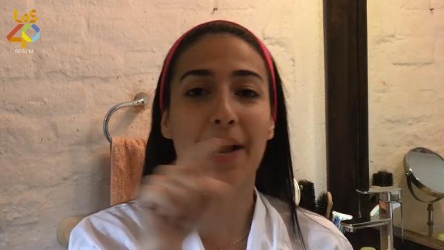 Mascarilla negra con Camila Upegui