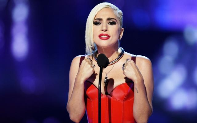 Lady Gaga llora la muerte de su buen amigo Zombie Boy