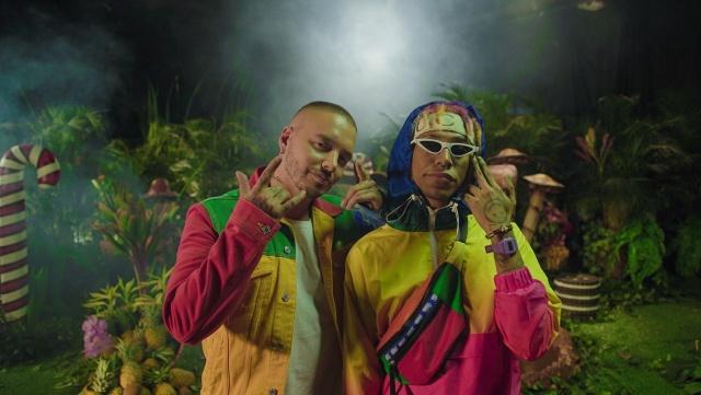 J Balvin y Lalo Ebratt vomitando vibras globales con el 'Mocca remix'