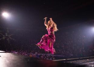 El baile de Shakira, bajo la lluvia, que rompe las redes sociales