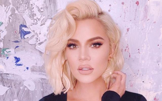 Khloé Kardashian regala un montón de ropa a una fan